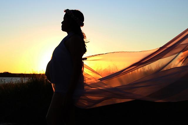 jak bezpiecznie tracić wagę po ciąży nadal karmiąc piersią