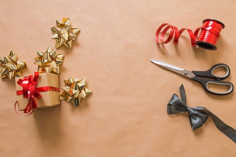 Artykuły do pakowania bożonarodzeniowych podarków