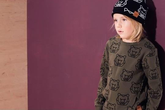 Bluza dziecięca w kolorze khaki z motywem niedźwiedzia