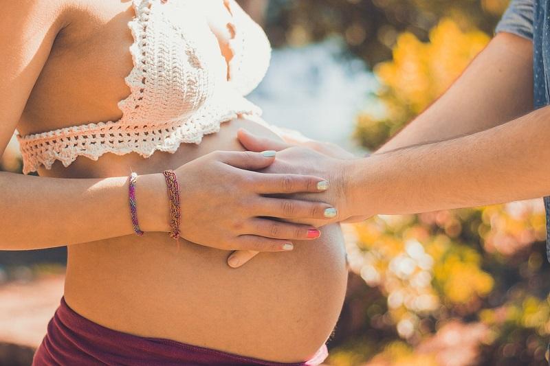 Czy w czasie ciąży można karmić piersią?