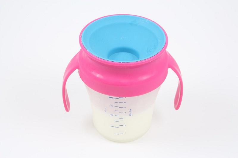 Pojemnik do przechowywania mleka matki
