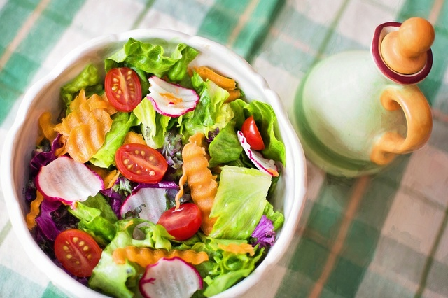 salad as a proposition to breastfeeding diet